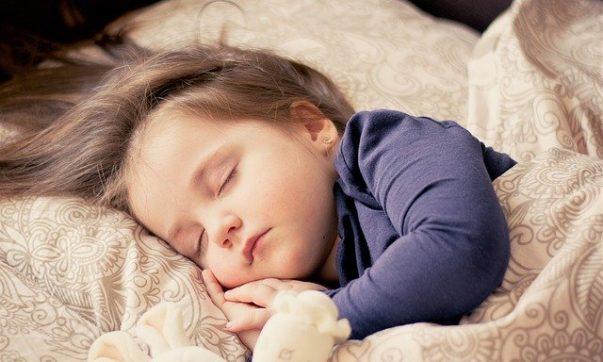 Как подготовить малыша ко сну
