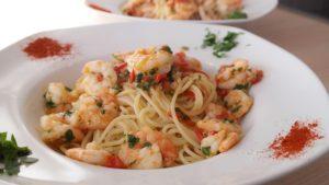 Спагетти со спаржей и креветками