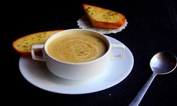 пряный картофельный суп с хреном